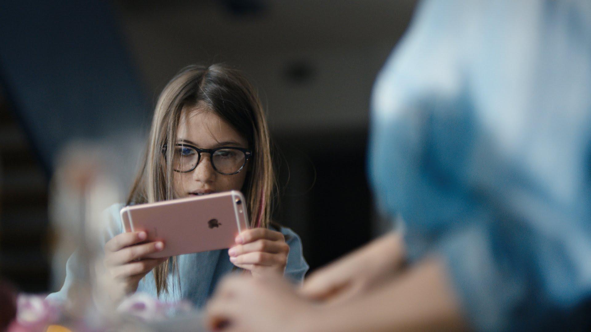 Survei Membuktikan, Soal Asmara Pemilik Iphone Lebih Beruntung dari Android