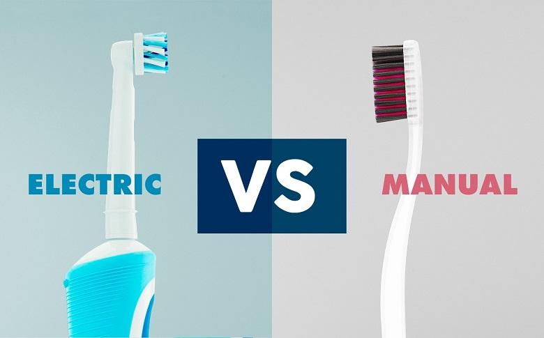 Perbandingan Sikat Gigi Manual dan Elektrik, Mana Efeknya Lebih Bersih