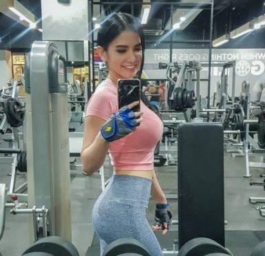 Intip Pesona Maria Vania, Presenter Cantik yang Gemar Olahraga Maria Vania - Viralnesia