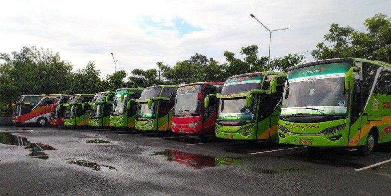 Mudik Lebaran Resmi Dilarang, PO Bus Rugi Ratusan Juta Mudik Lebaran - Viralnesia