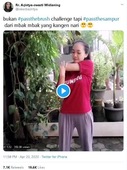 Pengguna Tiktok Merayakan Hari Kartini-Dengan #Passthesampur