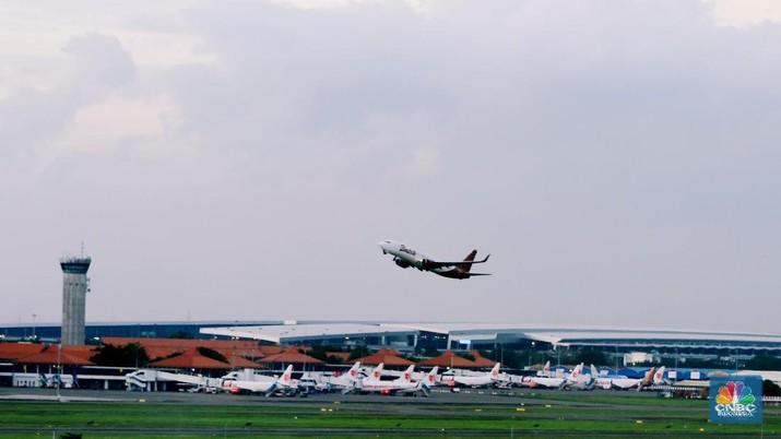 Pesawat Komersil Dilarang Terbang Di RI
