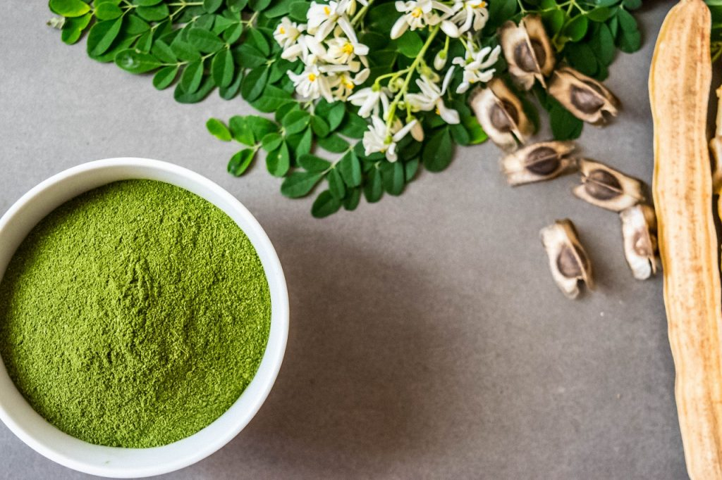 Manfaat Moringa alias daun kelor untuk kecantikan