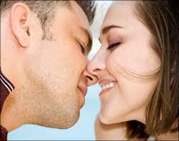Intip Gaya Ciuman Favorit Setiap Zodiak