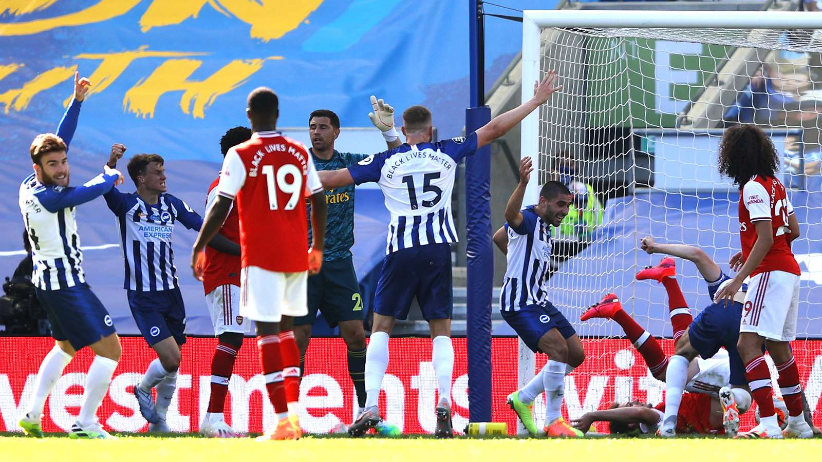 Pertandingan antara Brighton dan Arsenal