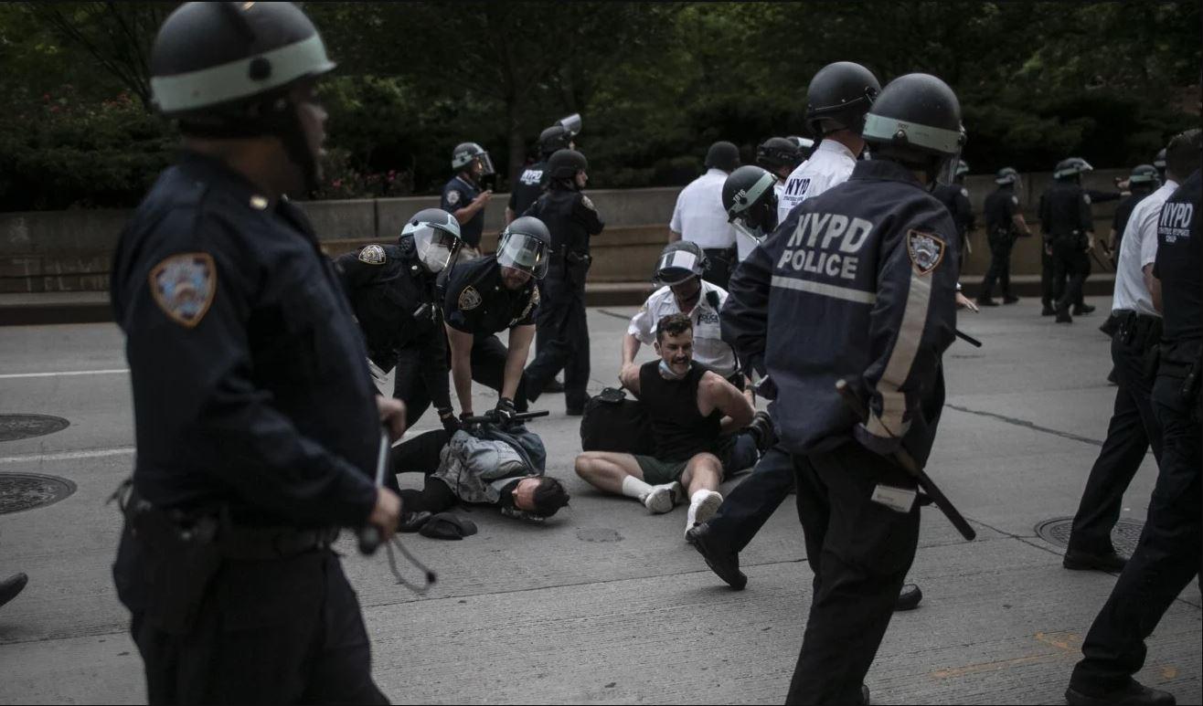 Kasus George Floyd : Surat Perintah Penangkapan Dikeluarkan Untuk 3 Petugas Polisi Lainnya