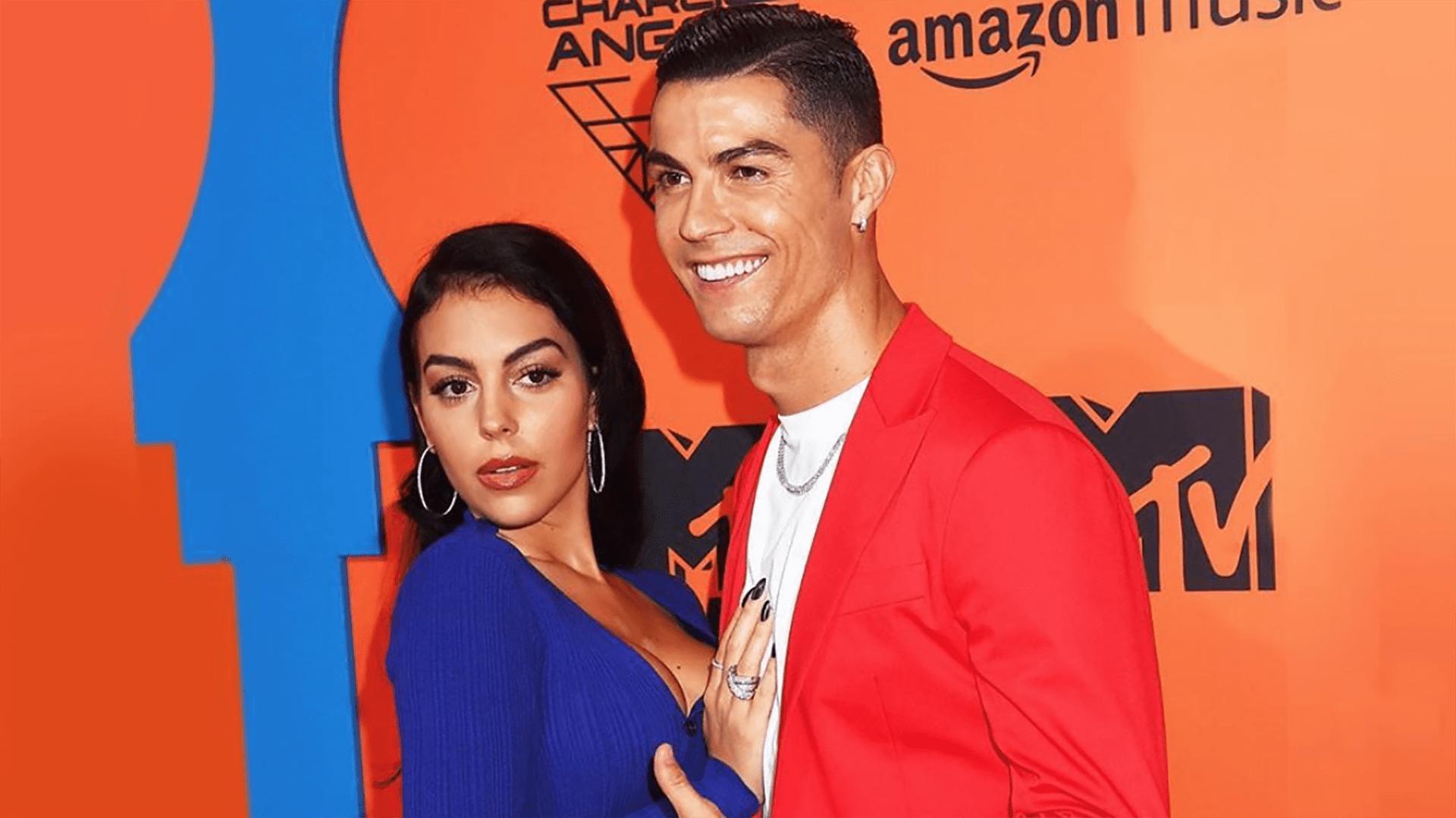 Georgina Rodriguez : Kekasih Cristiano Ronaldo Mengungkapkan Posisi Favoritnya Kepada Para Penggemar
